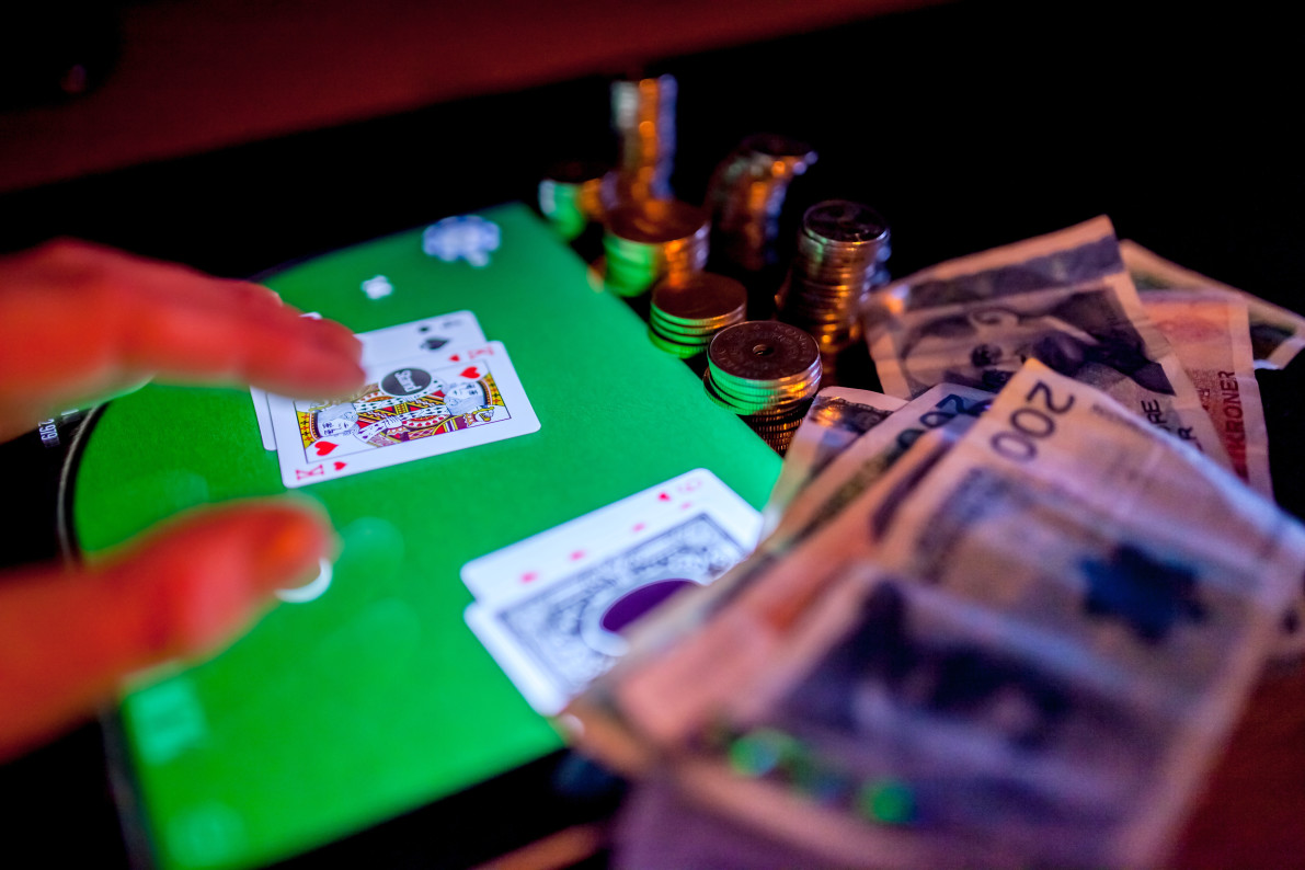 Treating the Problem of Online Gambling Addiction