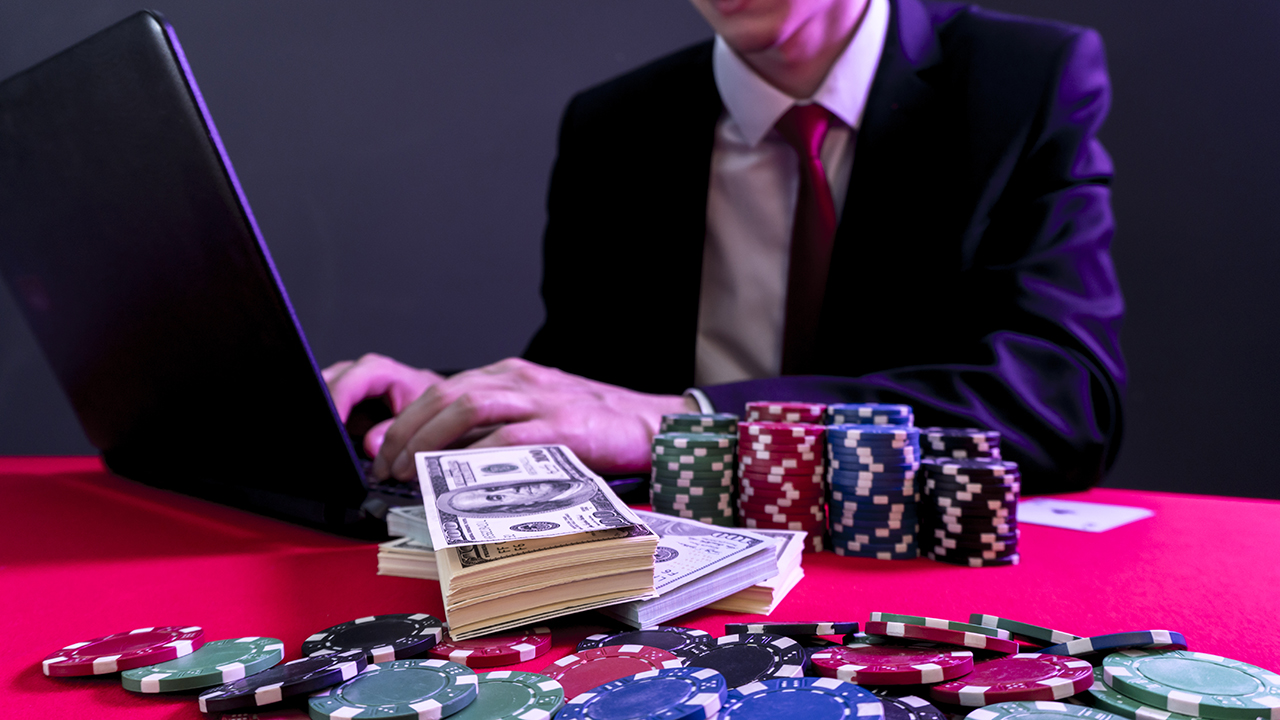 How to Become a Professional Online Gambler