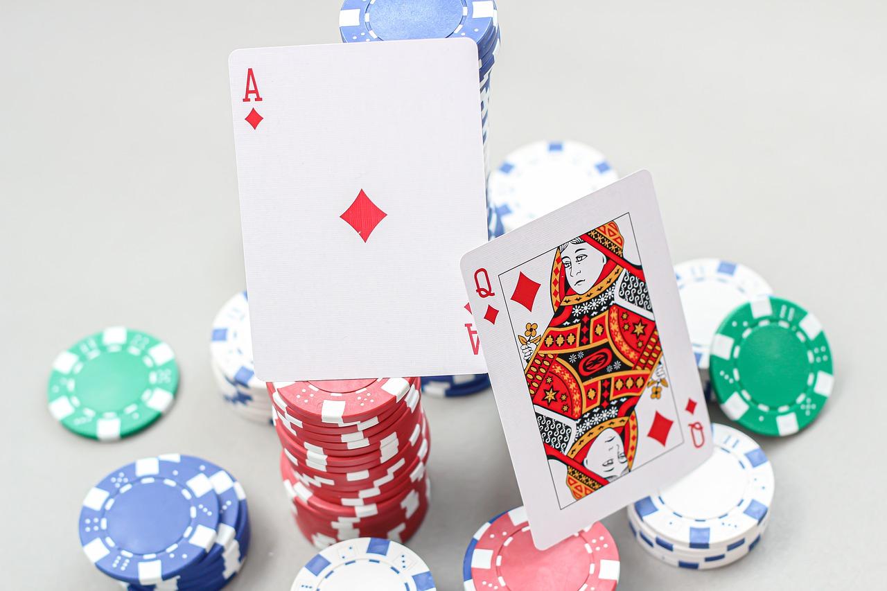 The trending benefits of playing casino situs judi online