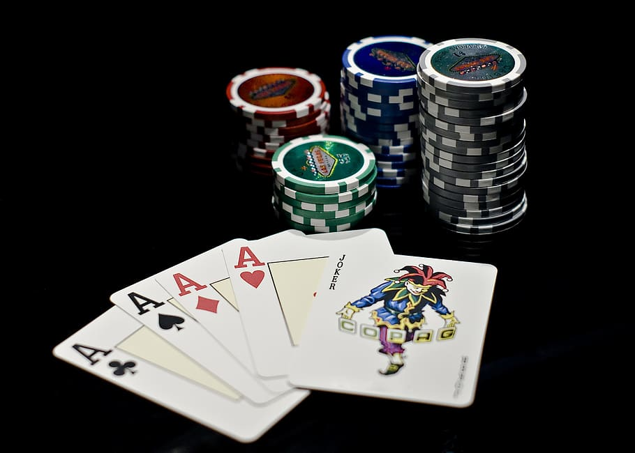 How the Online Gambling Industry Began: A Brief History
